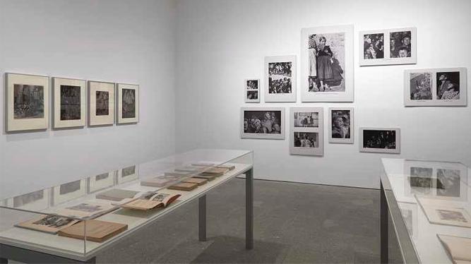 Fotos y libros exposición MNCARS